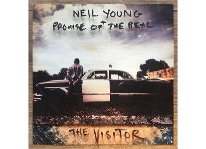 0093624909194 Reprise  Neil Young + Promise of the Real Visitor (2LP)